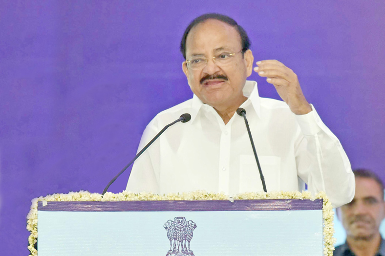 The Vice President, Shri M. Venkaiah Naidu addressing the gathering after laying the foundation stone for the World Trade Center, at Nauroji Nagar and redevelopment of Netaji Nagar General Pool Residential Accommodation Colony, in New Delhi on May 17, 2018.